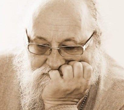 Луганский священник просит помочь мирным людям едой и лекарствами