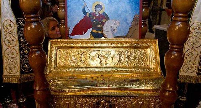 Ко Дню Победы в Россию принесут мощи святого Георгия Победоносца