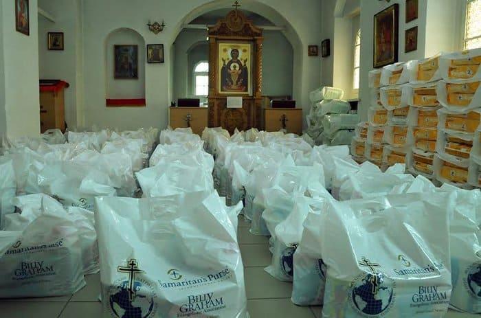 Церковь передала жителям юго-востока Украины более 400 тонн продуктов