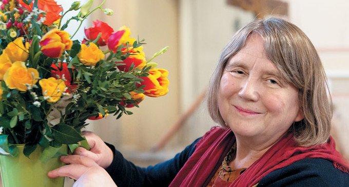 Татьяна Олеговна Йенсен собирает букет для праздничной иконы св. муч. Татианы