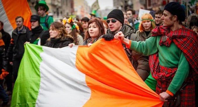 Католики видят угрозу в признании ирландцами однополых браков