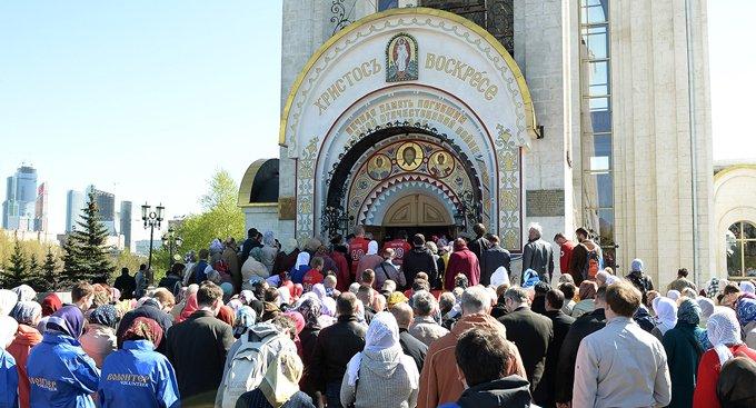 Деснице святого Георгия Победоносца в Москве поклонились более 70 тысяч человек