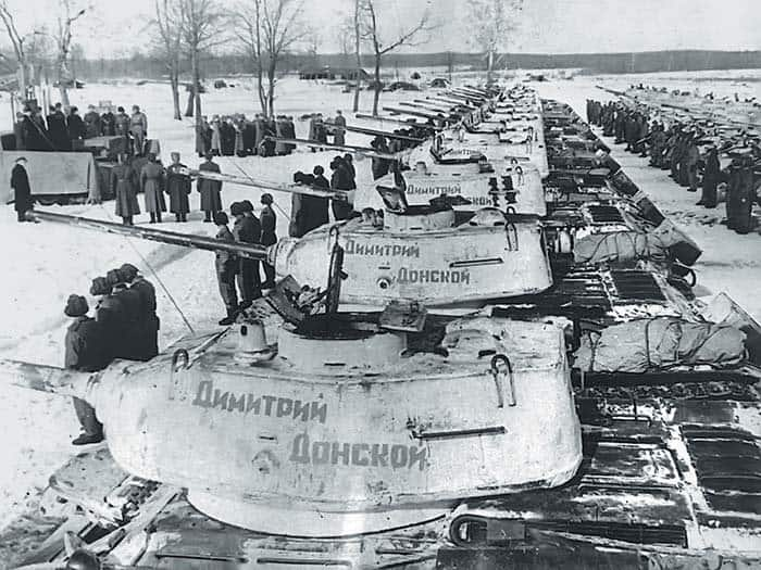 7 марта 1944 года Красной Армии передана танковая колонна им. Димитрия Донского, построенная на средства церкви. На башнях танков видна надпись, выведенная красной краской— «Димитрий Донской»