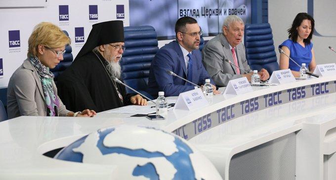 Владимир Легойда призвал СМИ корректно отражать инициативы Церкви относительно абортов