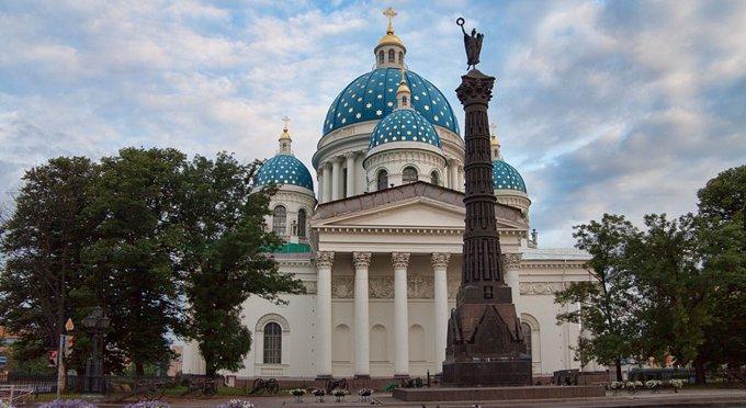 В Петербурге остро не хватает храмов, считает митрополит Варсонофий