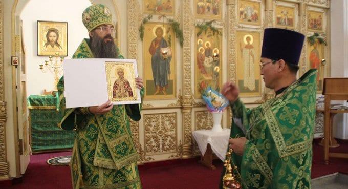Православным Пхеньяна подарили икону князя Владимира