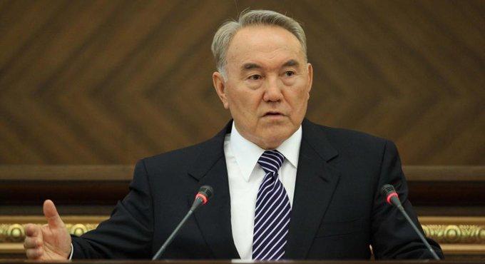Президент Казахстана призвал очистить СМИ от пошлости