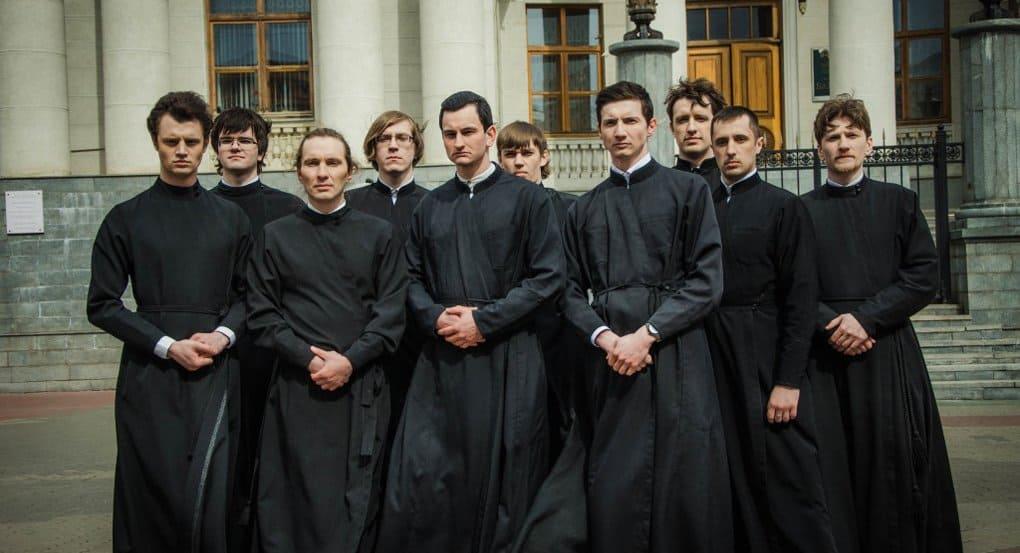 Как стать священником ?