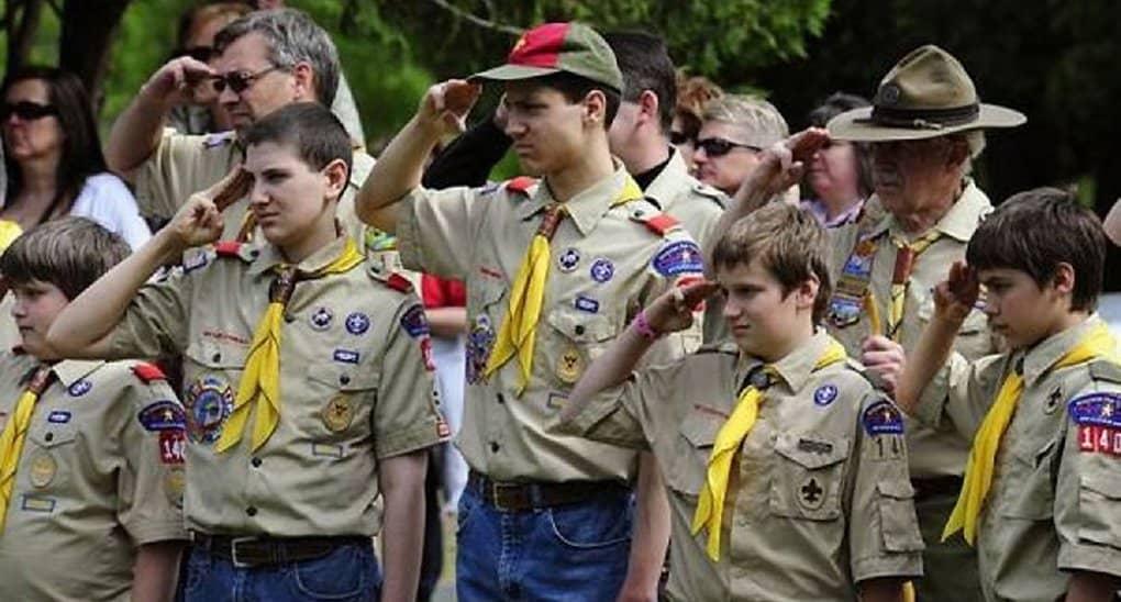 Гомосексуалистам разрешили воспитывать американских бойскаутов
