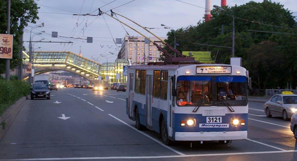 Столичный троллейбус посвятят Сергею Есенину