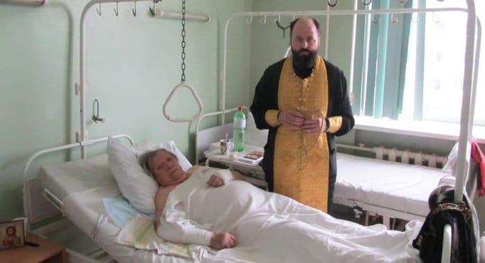 Пострадавшая в автокатастрофе крестилась и рассказала, как ей помог священник