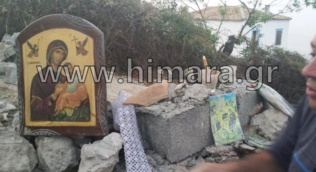 Власти албанского города снесли храм на глазах у верующих