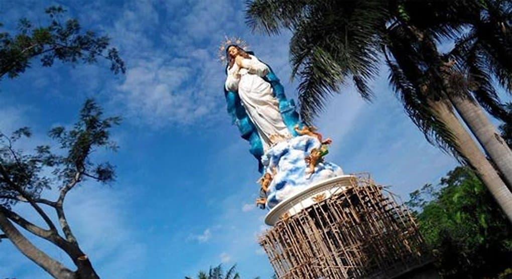 Самую высокую статую Девы Марии освятили в Индонезии