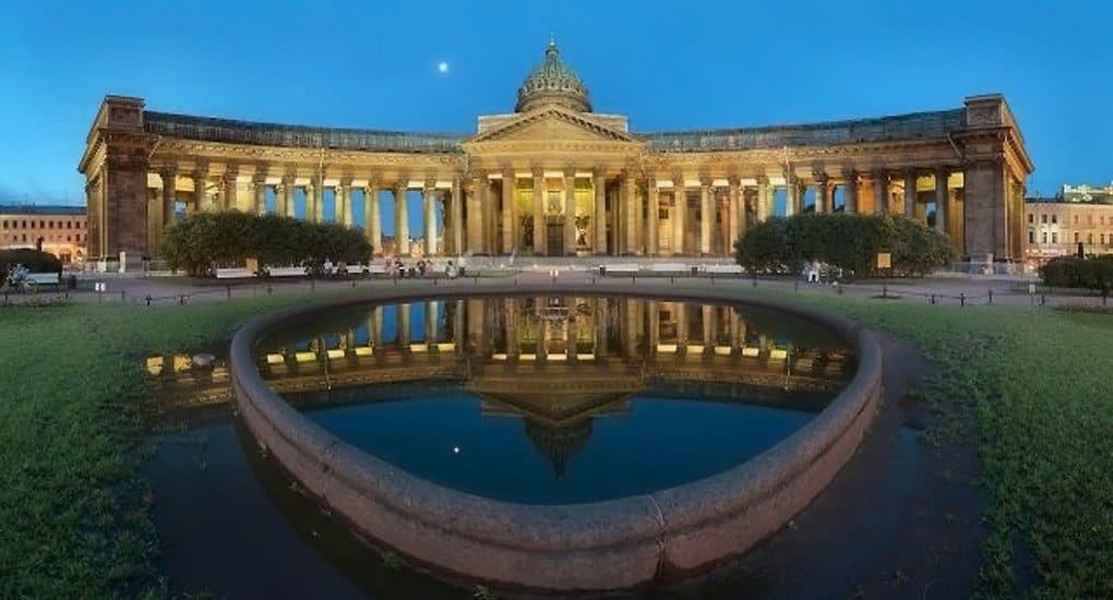 Завершается реставрация колоннады Казанского собора
