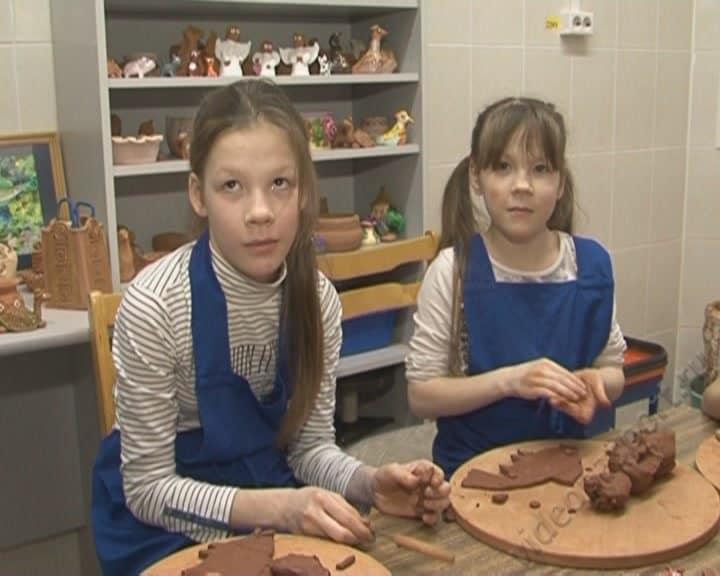 Сестры Саша и Вика ищут новую семью
