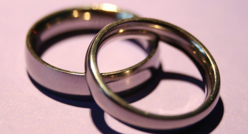 Могут ли супруги не носить обручальные кольца?