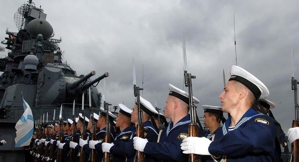 Морякам-черноморцам подарили частицу мощей святого Андрея Первозванного