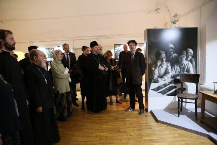 На фотографии четыре представительницы тайных монашеских общин (слева направо): монахиня Авраамия (Пузик; 1878-1965), Игнатия (Пузик; 1903-2004), Евпраксия (Трофимова; 1901-1979), Мария (Соколова; 1914-2000).