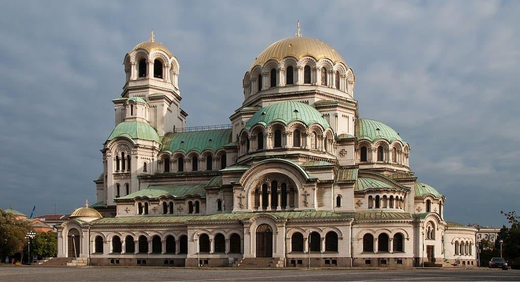 Символом Софии болгары признали православный собор