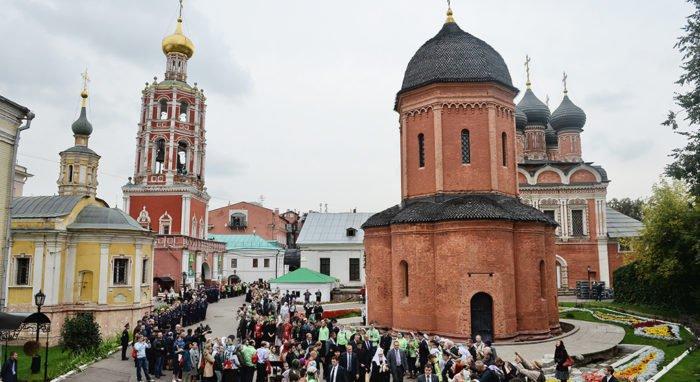 Считавшийся утраченным иконостас из Высоко-Петровского монастыря нашли в Коломенском