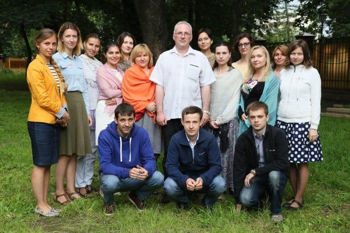 После окончания однодневного семинара — фото группы с руководителем центра и ведущим тренинга Михаилом Хасьминским