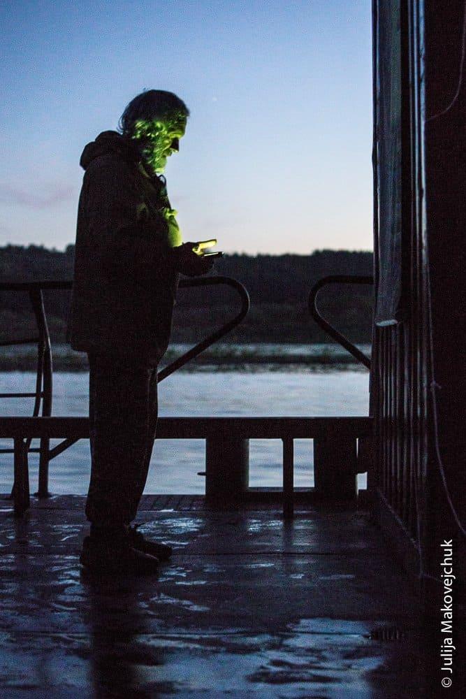 Протоиерей Георгий Янков читает вечерние молитвы