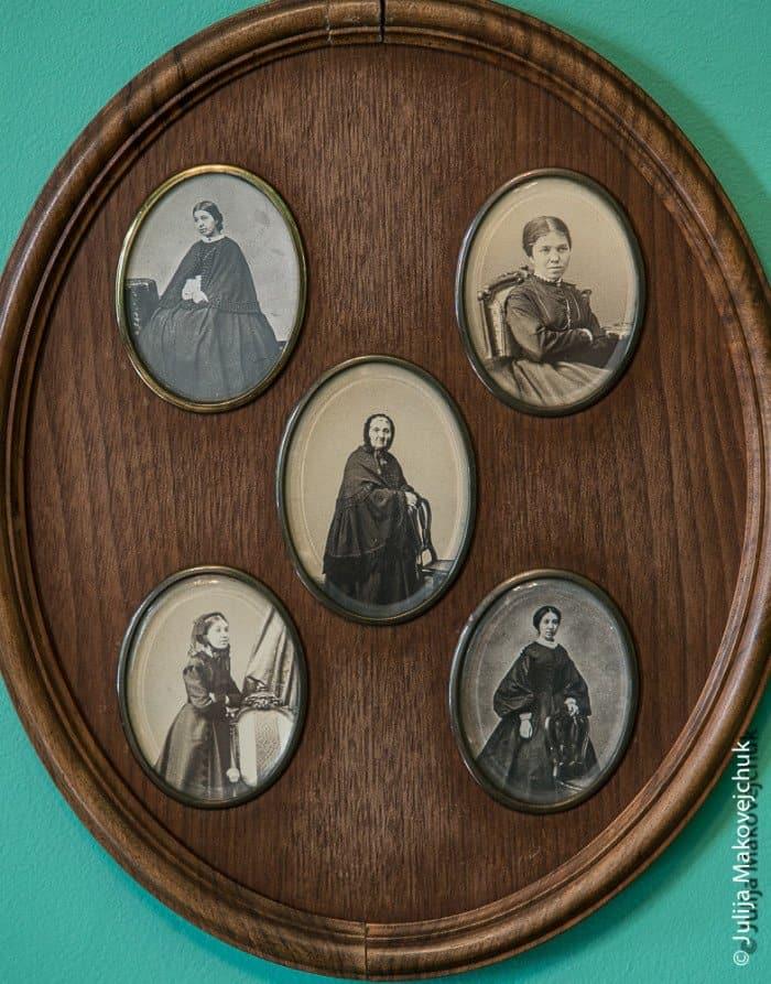 В Абрамцеве Аксаков также пишет свои мемуары под названием «Семейная хроника».