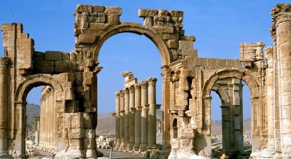Экстремисты разрушили в Пальмире древнюю Триумфальную арку