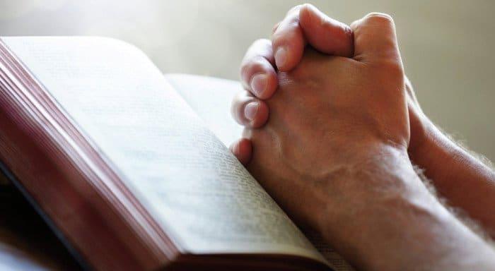 В Церкви поддержали предложение Президента не проверять священные тексты на экстремизм