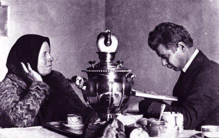 Сергей Есенин читает стихи своей матери
