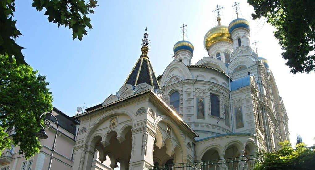 В Карловых Варах освятили обновленный храм-подворье Русской Церкви