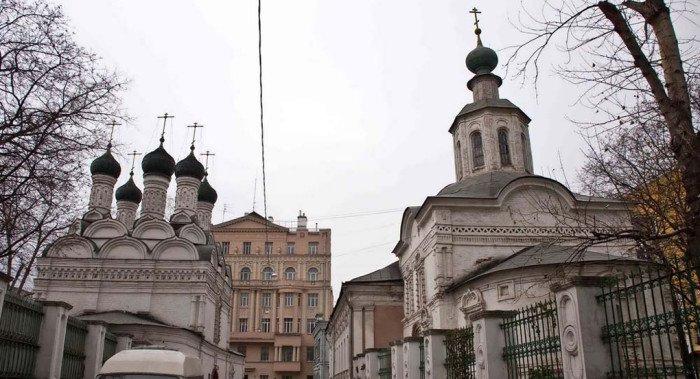 Патриарх Кирилл освятит храм на 600-летнем Черниговском подворье