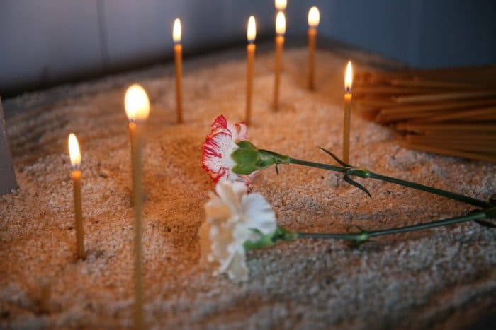 свечи цветы