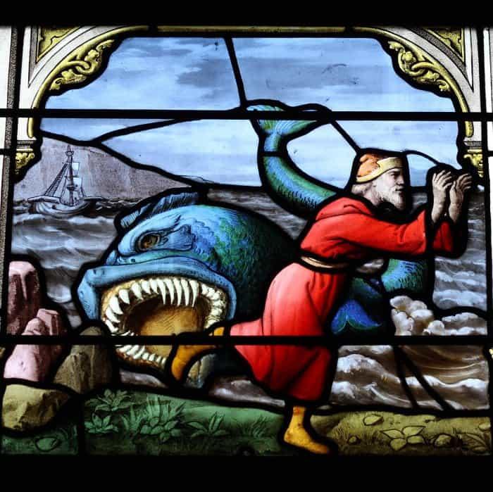 Jonas entsteigt heil dem Wal. Église Saint-Aignan de Chartres in Chartres, Darstellung (1)