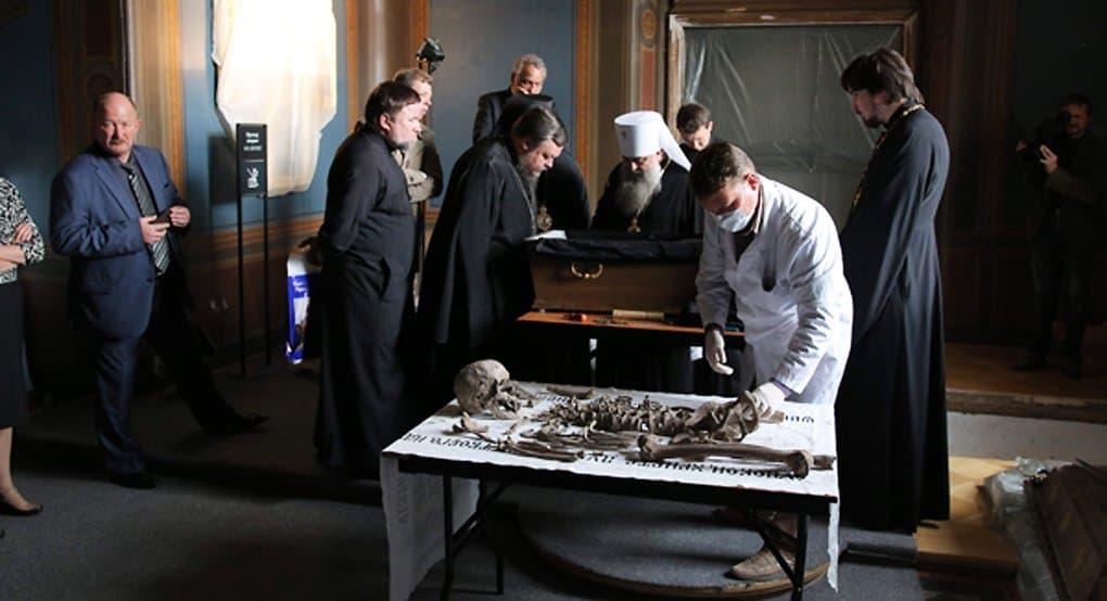Следственный комитет готов вместе с Церковью исследовать царские останки