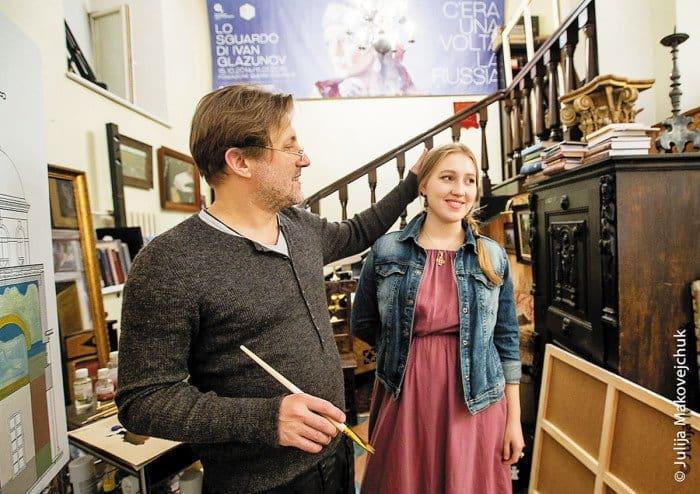 С дочерью Ольгой в мастерской