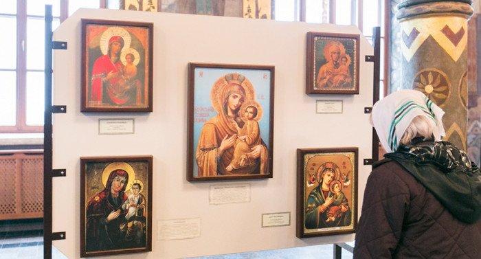 Списки 100 чудотворных икон собрали на выставку в Киево-Печерскую лавру
