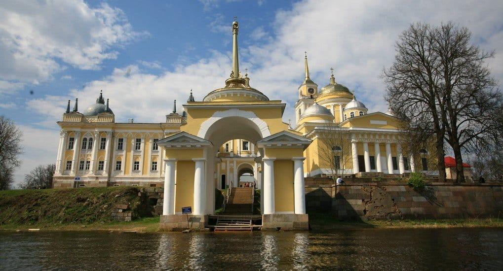 Церковь празднует 350-летие обретения мощей святого Нила Столобенского