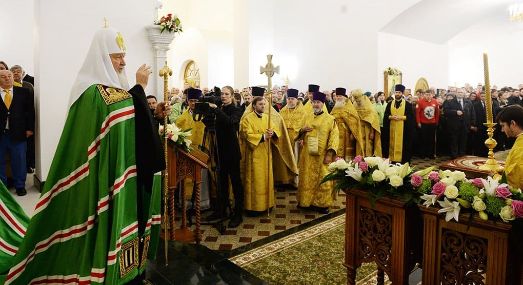 В память о жертвах теракта на Дубровке патриарх Кирилл освятил храм