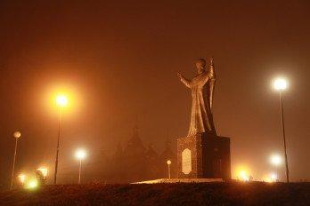 роицкий собор Памятник Николаю Чудотворцу_IФото Вадима Матвеичева