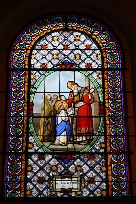 Введение Богородицы во храм. Церковь Сен-Мари-де-Батиньоль. Париж, Франция