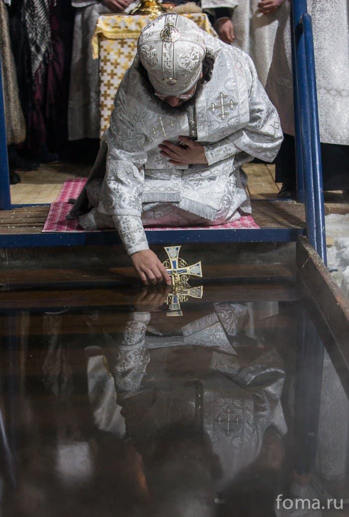 27 ярких крещенских фотографий из разных стран мира - фото 10
