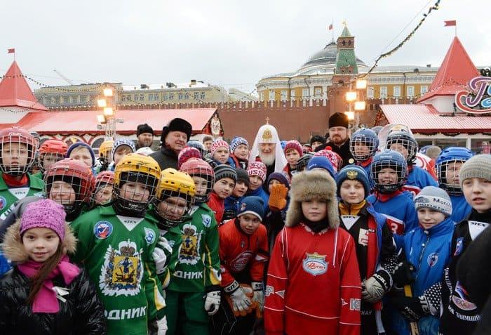15 февраля. Открытие детского турнира по русскому хоккею на кубок Патриарха в Москве