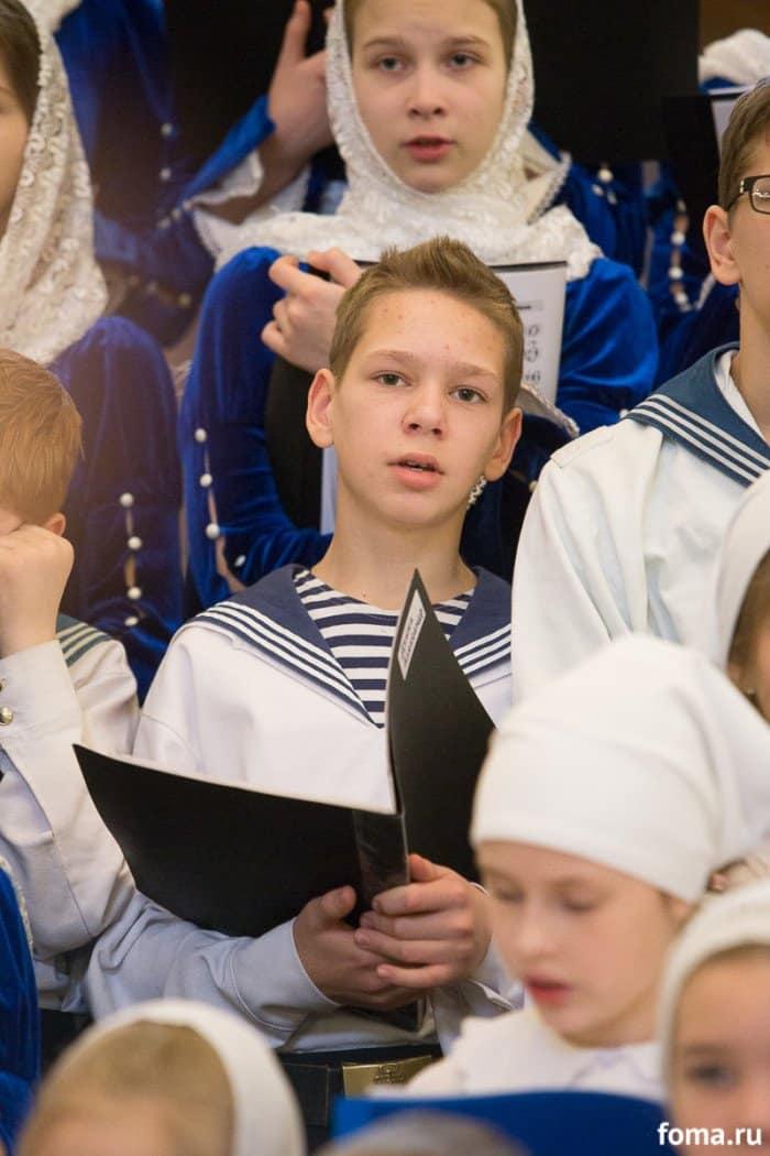 2016-01-17,A23K0892, Москва, ХХС, Детская Литургия, s_f