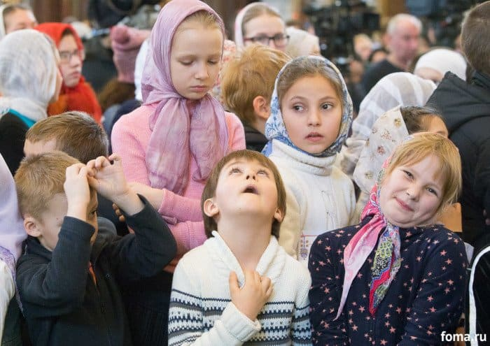 2016-01-17,A23K1211, Москва, ХХС, Детская Литургия, s_f