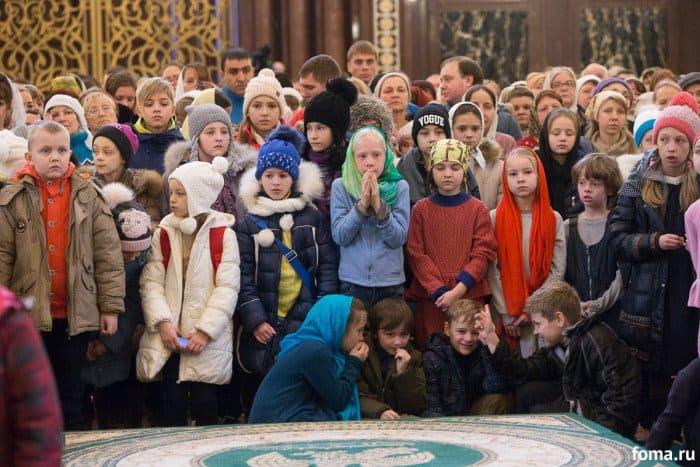 2016-01-17,A23K1247, Москва, ХХС, Детская Литургия, s_f