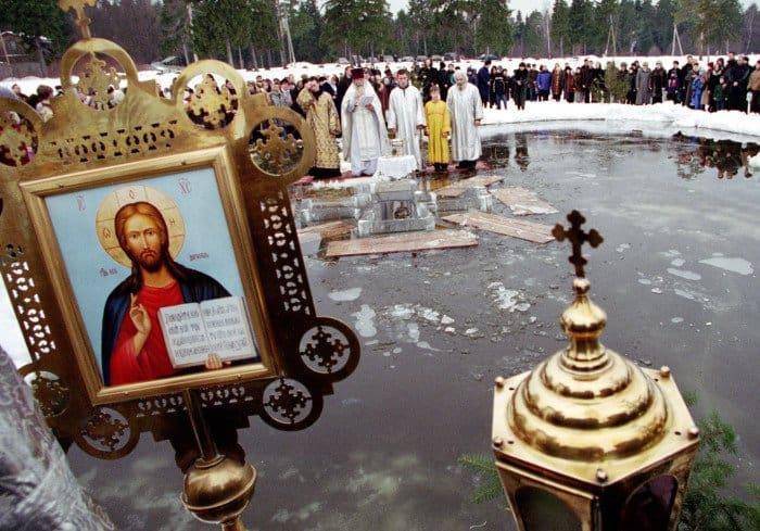 Крещенские купания. Бисерово_Московская обл. Фото Владимир Ештокин