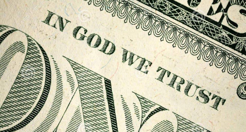 Атеисты в США требуют убрать с долларов упоминание о Боге