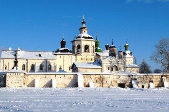 Монастырь(Вид_с_озера)_Irakontorina_wikipedia