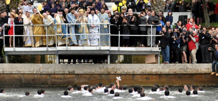 Крещенские купания. Тарпон Спрингс, Флорида, США_walterpro_фликр